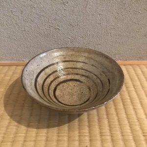 弥七田織部渦巻紋茶碗が入荷